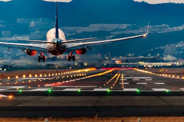 会社やパイロットが加入必須の航空保険とは?